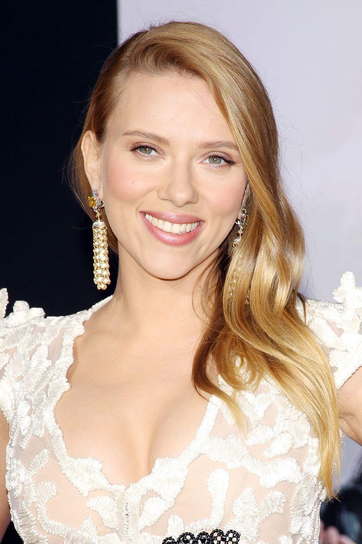 Celebrity Looks // Scarlett Johansson 2014
