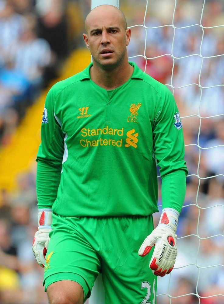 @Liverpool FC goalkeeper Pepe Reina in action against West Brom #LFC