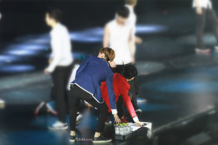 140921 EXO The Lost Planet in Beijing Day 2 - Sehun Luhan #hunhan