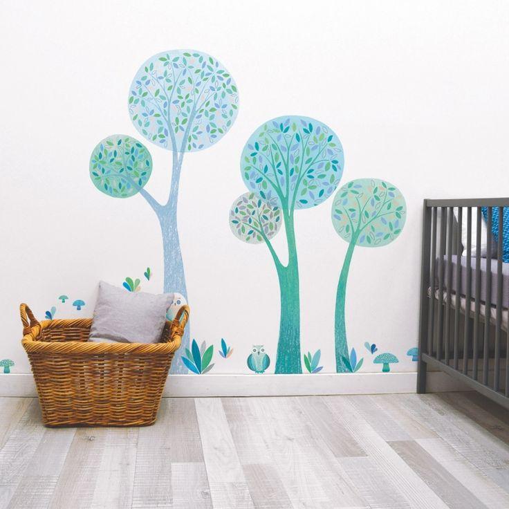 Ces stickers de la collection by Oreli Gouel pour Lilipinso permettent d'agrémenter une décoration de chambre d'enfant et d'habiller les murs, les meubles ou encore une porte.