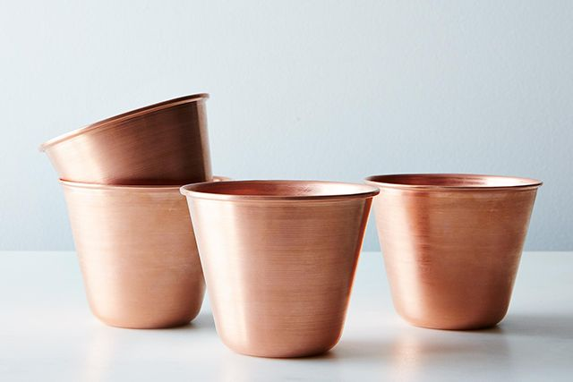 For the aspiring mixologist, a set of Moscow mule cups gives every cocktail an instant upgrade.  #refinery29 http://www.refinery29.com/love-gifts-for-significant-others#slide-13