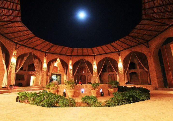 An Original Caravanserai At The Heart Of The Desert Desert Tour Iran Top Of The World