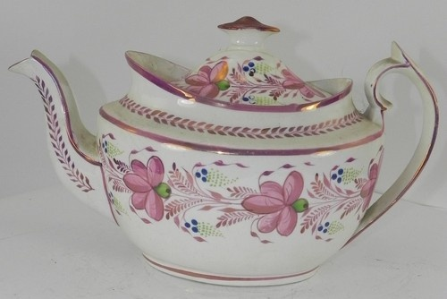 Early 19th Century Creamware Teapot with Pink Lustre Decoration