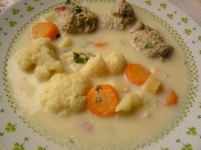 Paprikás krumpli: Karfiolleves húsgombóccal