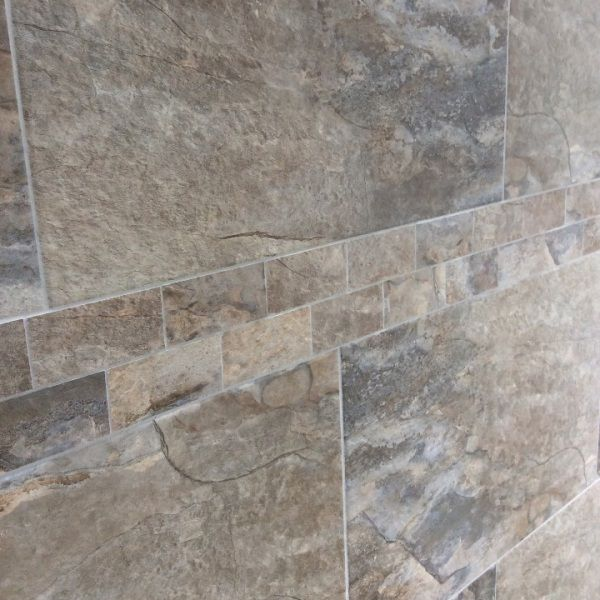 Keystone grey mosaic tiles match beautifully with the Keystone grey porcelain tiles. These natural looking porcelain tiles offer a wonderfully durable alternative to grey slate wall tiles and grey slate floor tiles. Please contact the Direct Tile Warehouse team for free tile samples.