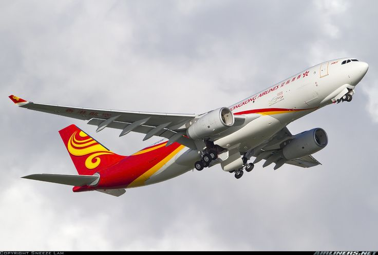 Hong Kong Airlines B-LNX Airbus A330-243F aircraft picture