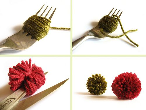 mini pompons avec une fourchette ou une paire de ciseaux