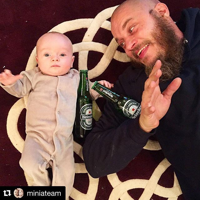 A #beer is definitely needed after tonight's episode of #Vikings.  #Welcomeback #vikings4B #viking #4B #vikingbaby #historyvikings #ragnar #kingragnar #ragnarlothbrok #travisfimmel #heineken #SKÅL * Note Atticus's left hand on Uncle T-Bone's #brew @officialamybailey