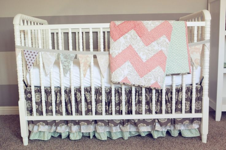 Amazing #chevron crib quilt - #nurseryNurseries Inspiration, Baby Beds, Nursery Inspiration, Crib Quilts, Baby'S Room, Baby Girls, Chevron Quilt, Vintage Diy, Vintage Inspired