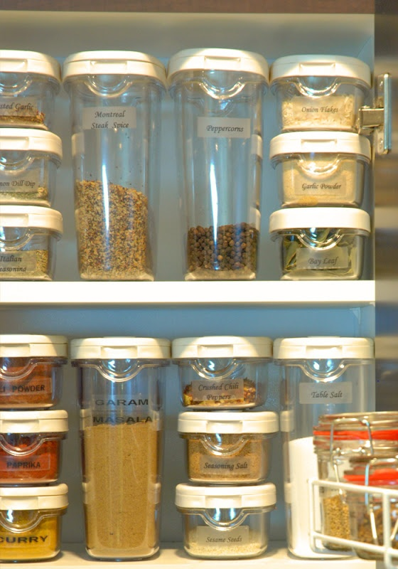 If you have seen my spice cabinet you know i will try some of these ideas soon . i recently made Fajita mix . it smells delicious ! DIY 7 homemade seasonings