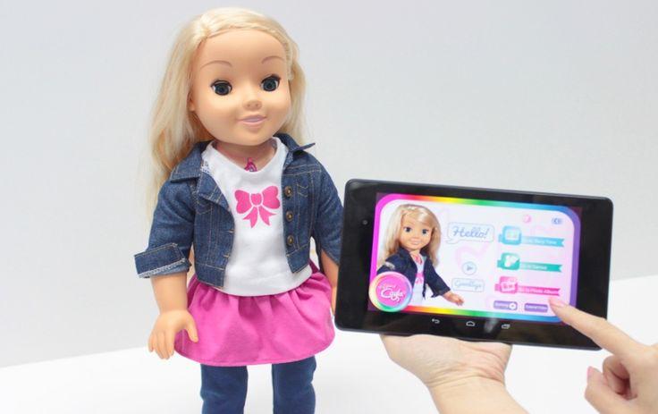 """Sabia que a boneca """"My Friend Cayla"""" foi recentemente classificada com """"equipamento ilegal de espionagem""""."""
