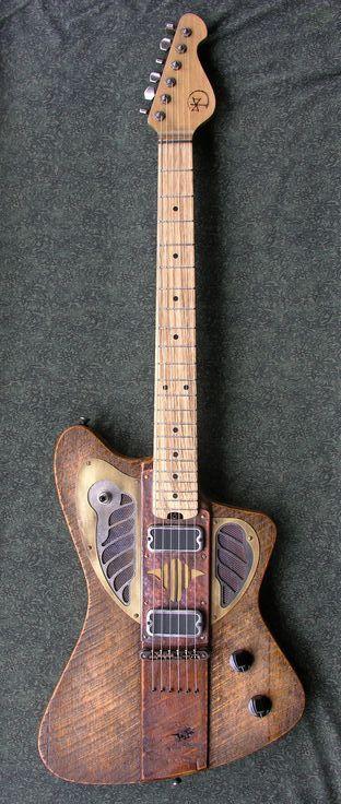 Une Sparrowhawk #2 par Dismal Ax Guitars #1401. Retrouvez des cours de guitare d'un nouveau genre sur MyMusicTeacher.fr