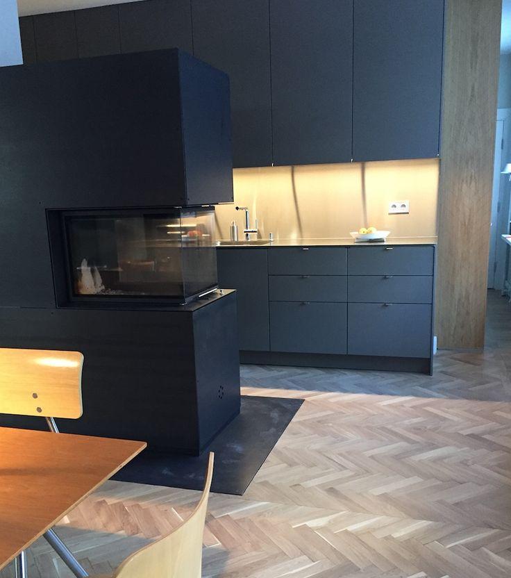 STUDIO10 fronter i lysgr? valchromat. Skrogene er fra IKEA. #ikea # ...