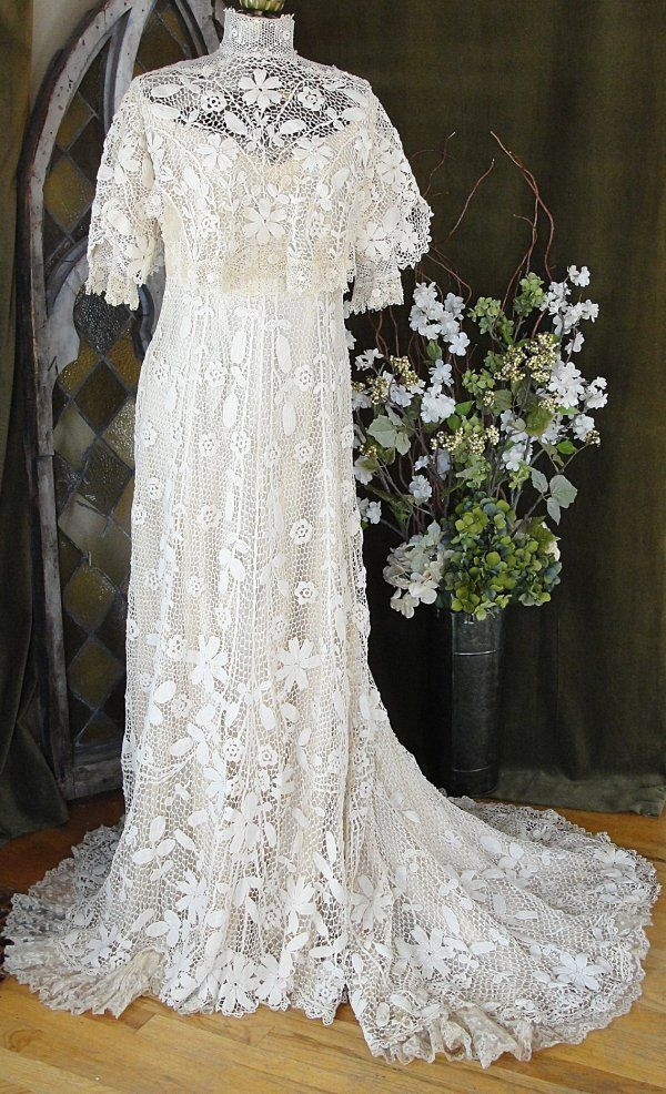 Edwardian wedding dress .