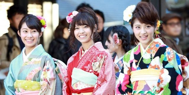 Nogizaka46 members held their coming-of-age ceremony (seijin shiki) on 10 January 2015 at Nogi Shrine in Tokyo.