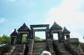 Jogja Java Transport: Menjelang Senja Di Candi Ratu Boko