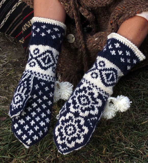Ravelry: dom-klary's Norwegian Mitts - Return to the Fiord's
