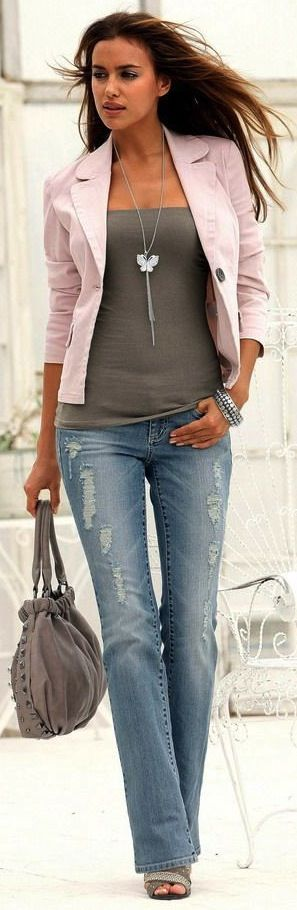 fitted pale pink blazer ... dark gray fitted tank ... distressed boot leg jeans ... heels!