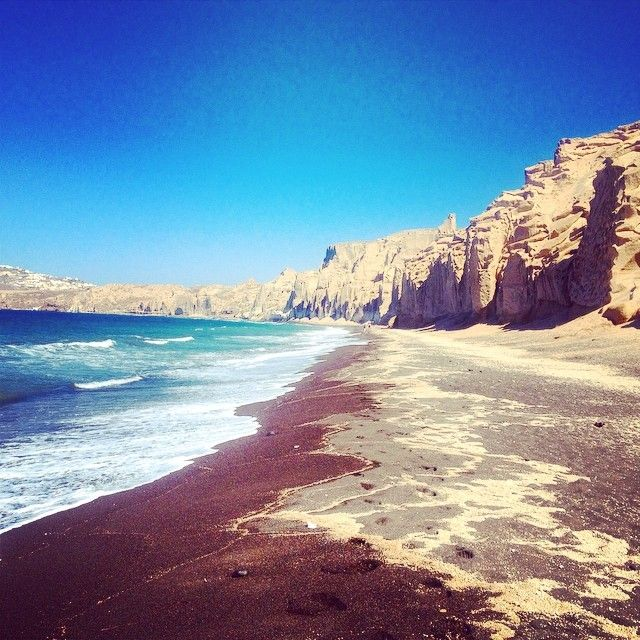 #Vlyhada #Beach #Santorini #Greece Photo credits: @tizzyway