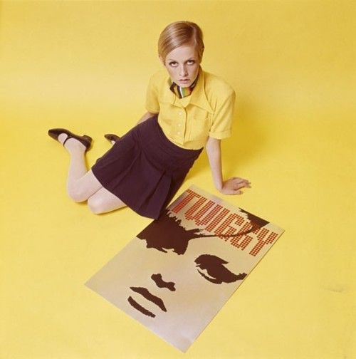 Twiggy with art for her clothing line