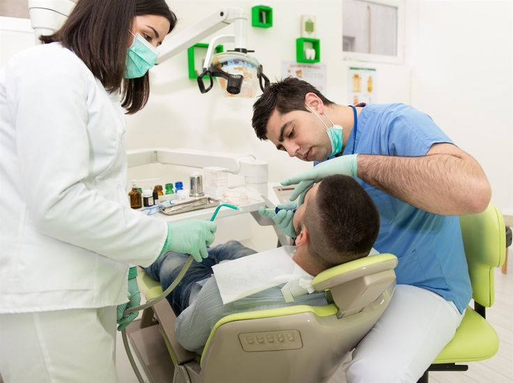 Plusieurs écoles et universités proposent au public des services rendus par les étudiants pour parfaire leur formation. Soins dentaires, massages, optométrie, acupuncture: voici une trentaine d'adresses qui pourraient vous être utiles.