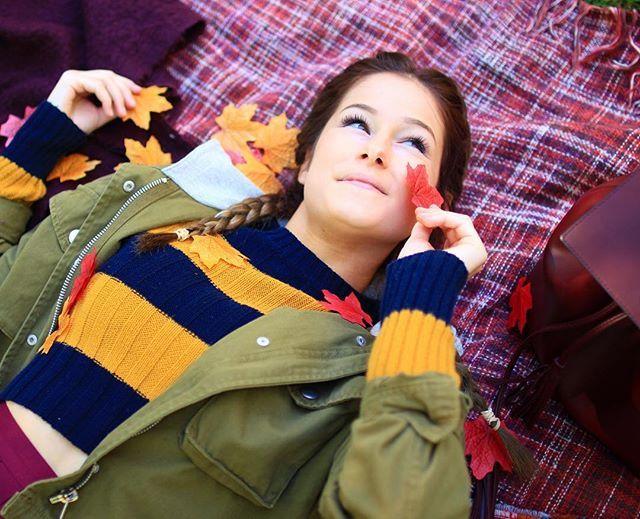 + on voulait faire une photo cute mais j'ai un double menton hahaha : @jrdnh._ ❤️