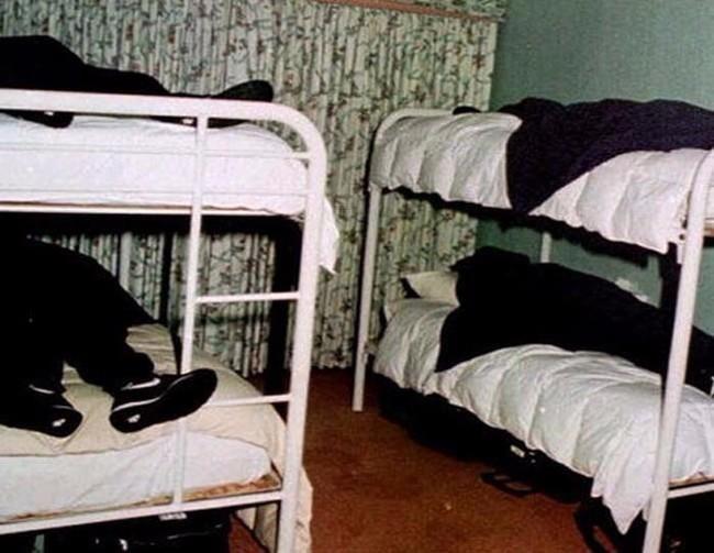 17 Αληθινές φωτογραφίες που πίσω από αυτές κρύβονται ανατριχιαστικές ιστορίες χειρότερες και από ταινία τρόμου. | διαφορετικό