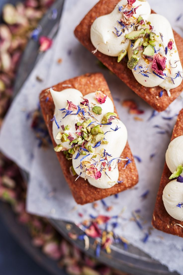 Fig ginger cake a soft fig and gingered flourless cake