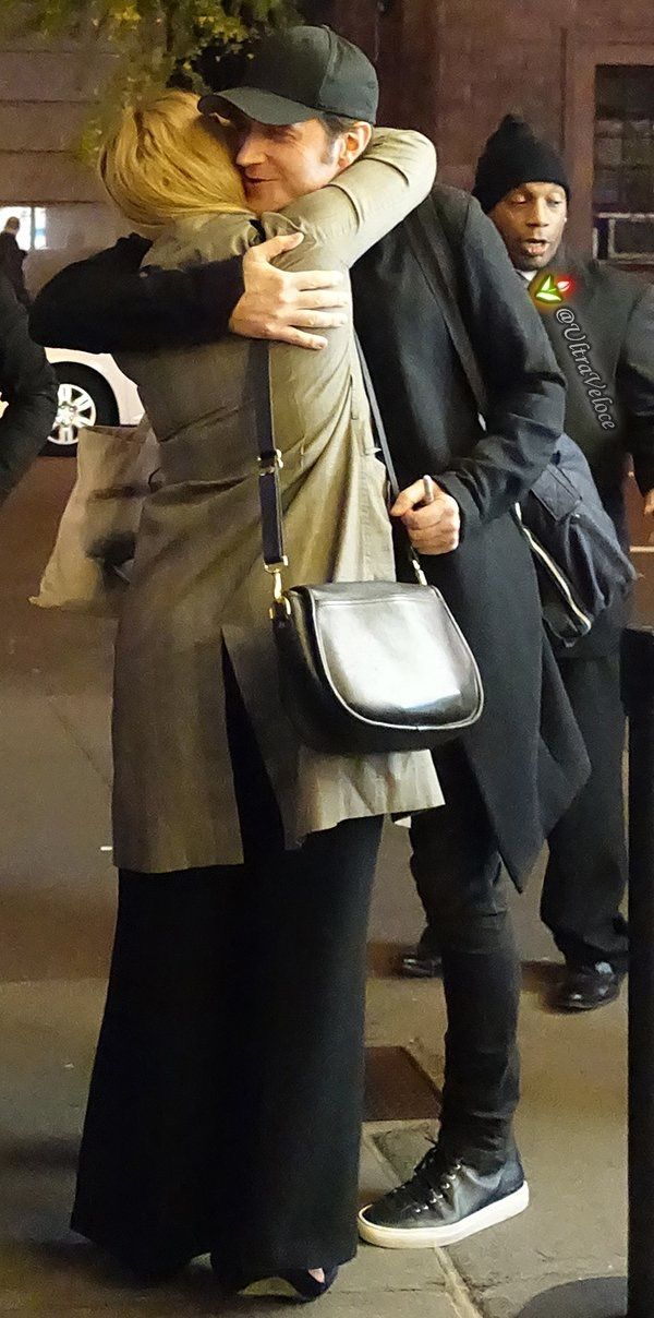 17-11-2016 sd ❤️❤️❤️Richard hugs Susannah Cahalan (his movie daughter and the real patient in Brain on Fire)