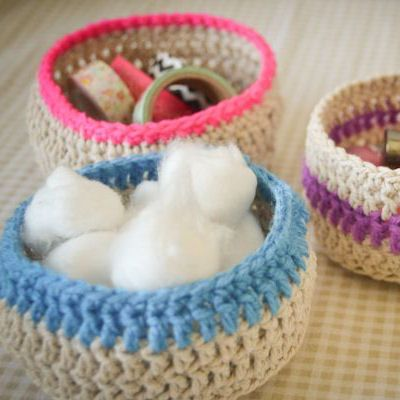 Baskets (tutorial - http://thingsdeeloves.wordpress.com/2013/08/26/loving-crochet-baskets/) by Danielle
