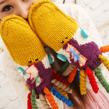 Limited edition handmade cute octopus mouth upscale warm wool gloves -  http://zzkko.com/book/shopping?note=10196 $16.89