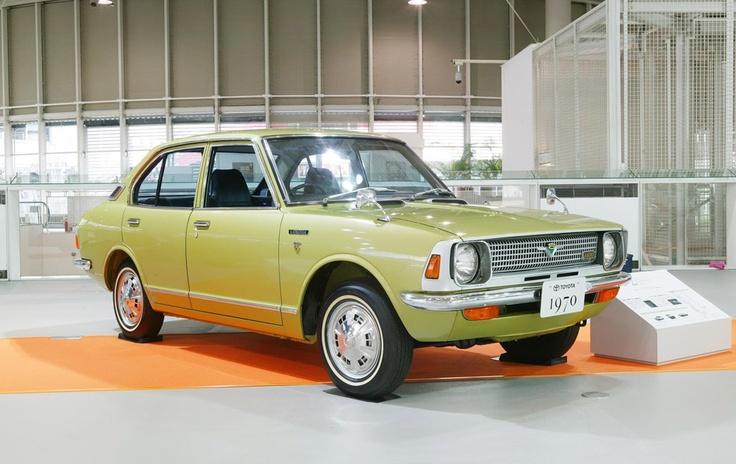 Toyota Corolla - Segunda geração (1970). Confira notícias sobre o mundo automotivo: https://www.consorciodeautomoveis.com.br/informacoes-consorcio-automoveis?utm_source=Pinterest