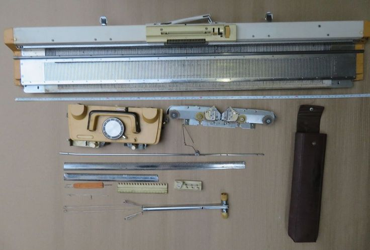 Vintage Singer KNITTING MACHINES Model Sk 260 Sr.No. 84-3782 Standard Gauge  #SINGER
