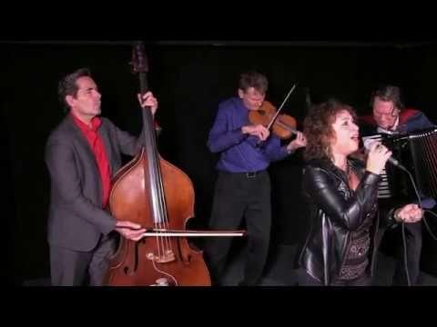 Rolinha Kross- La Rosa Enflorece - YouTube
