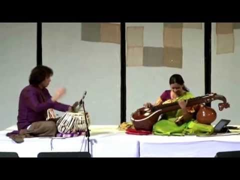 Jayanthi Kumaresh & Zakir Hussain Live - Jugalbandi [HD] - YouTube