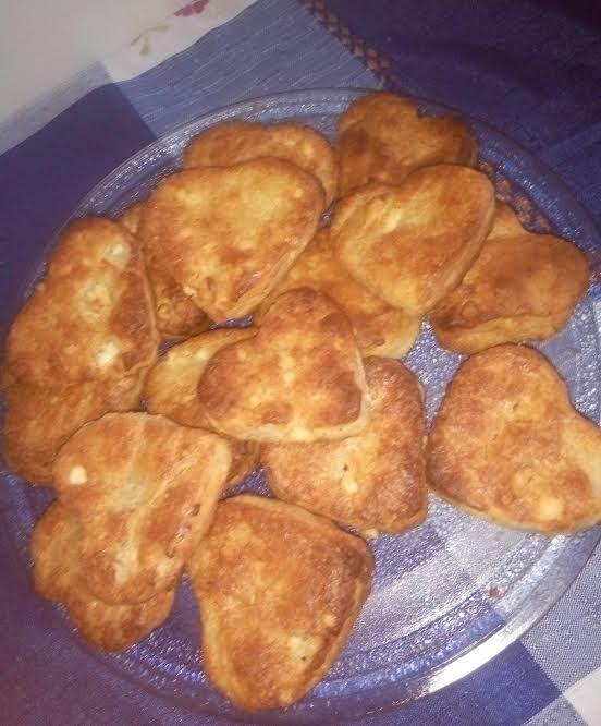 Τυροπιτάκια κουρού (2 μονάδες ανά 6 τεμάχια)