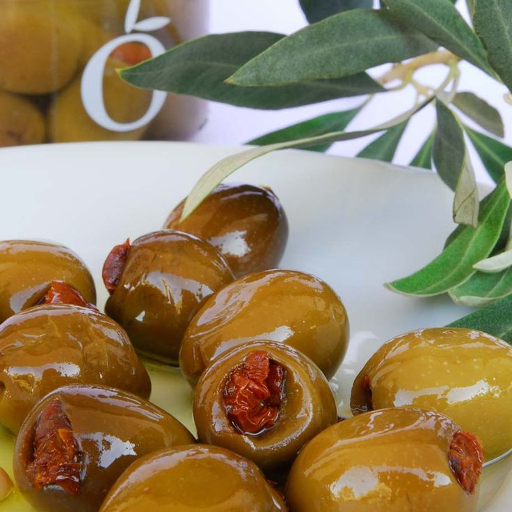 Green olives from Chalkidiki stuffed with sundried tomatoes