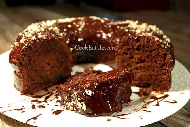 Υπέροχο κέικ σοκολάτας με φανταστική γεύση και υφή! Επικάλυψη που κυλάει αργά και σκανδαλίζει!