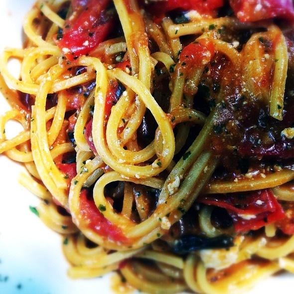 Trattoria Barchetta, Campogalliano (MO) - Spaghetti Al Torchio Con Ricotta Salata e Pomodorini #Sceltipervoi #Ristoranti