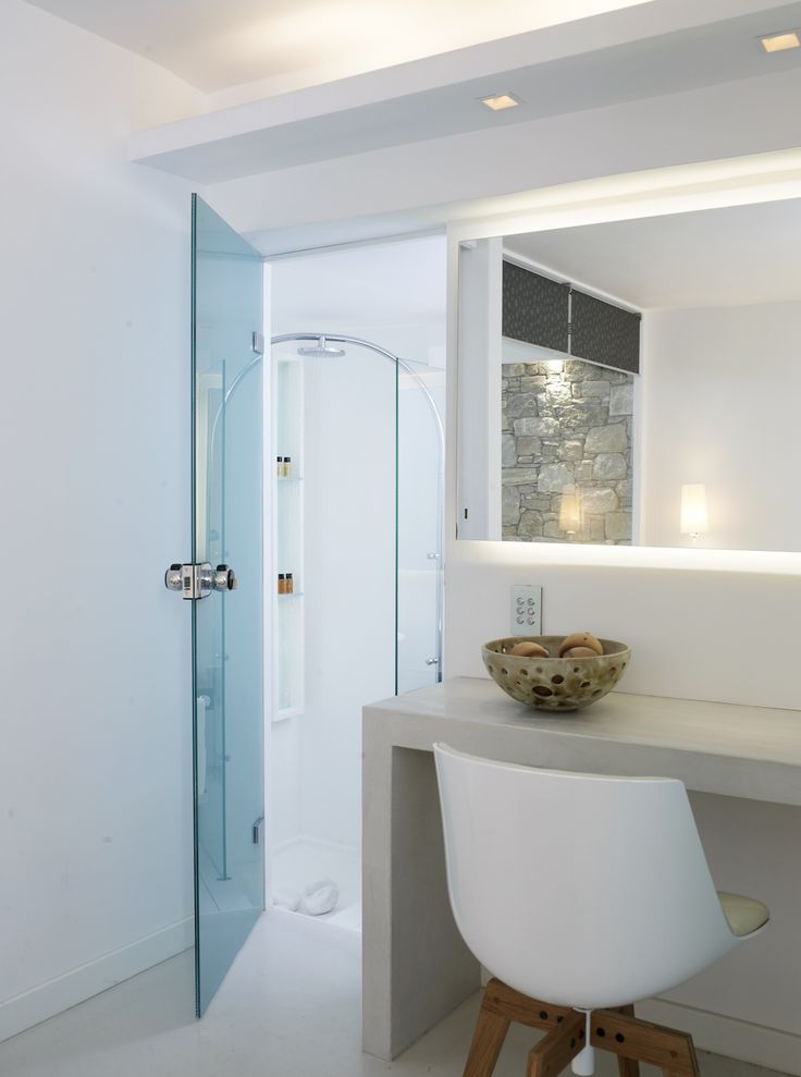 Our Superior Double rooms are equipped with modern showers that will guarantee to refresh you after a long day at the sea! http://www.semelihotel.gr/accommodation/superior-double/  #Semeli #SemeliHotel #Mykonos #LuxuryHotel #SemeliMykonos
