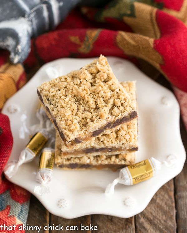 Oatmeal Caramel Bars | Gooey Caramel and Chocolate Sandwiched between two oatmeal layers!