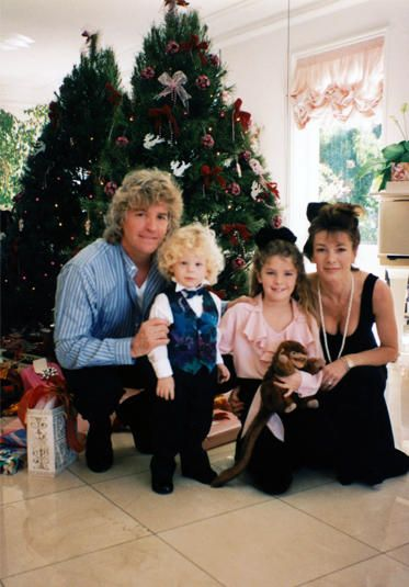 Lisa Vanderpump and husband Ken Todd with their kids