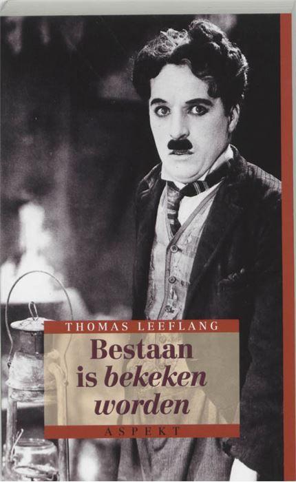 Bestaan is bekeken worden  'Niets triester dan een komische film!' Dat zette de nestor van de vaderlandsefilmjournalistiek L.J. Jordaan ver voor de oorlog in een recensie in De Groene Amsterdammer. Er zijn op dit moment mensen die het daarmee nog steeds hartgrondig eens zijn. Maar er zijn er ook die het oeuvre van 'comedians' uitHollywoods Gouden Jaren herontdekken en zeer waarderen. Charles Chaplin Buster Keaton Harold Lloyd W.C. Fields de Marx Brothers Laurel & Hardy Harry Langdon Wheeler…