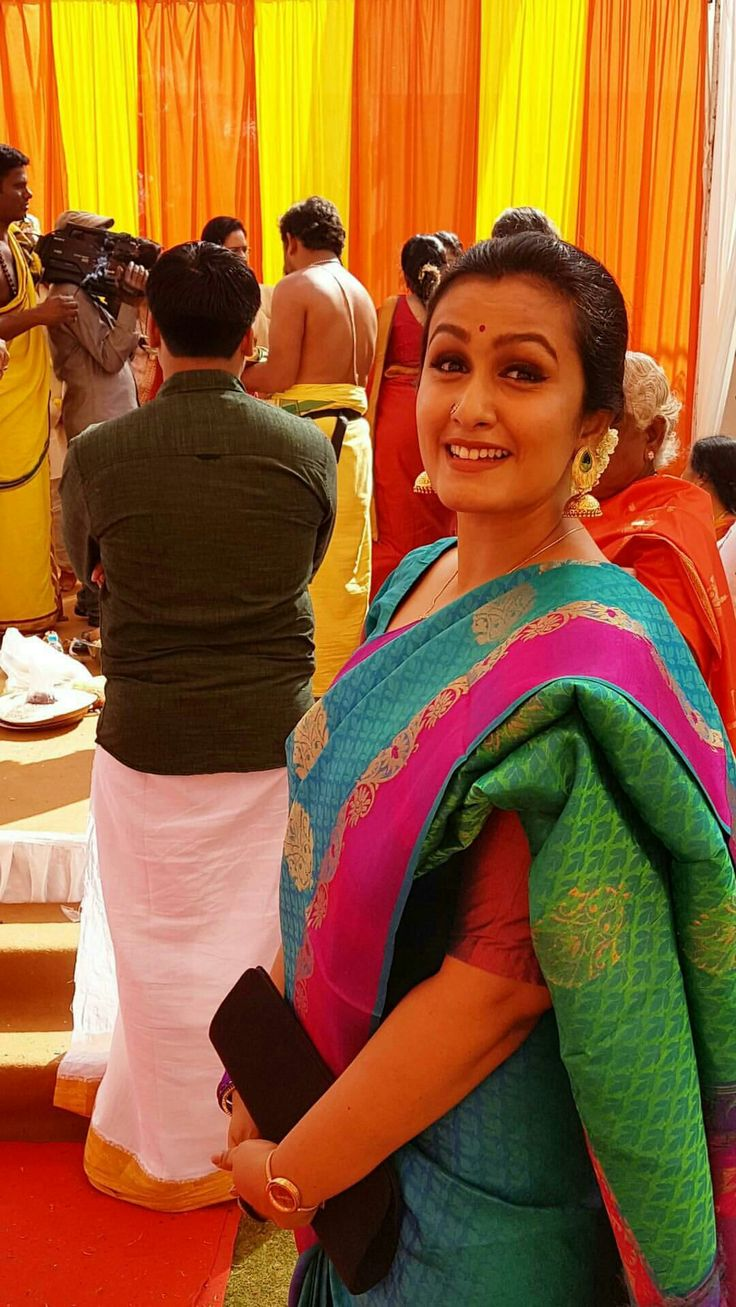 #sareelove #kavithanair #southindian