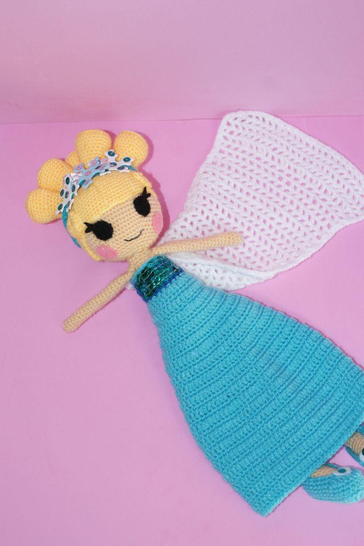 Amigurumi de la princesa Elsa hecho por mi