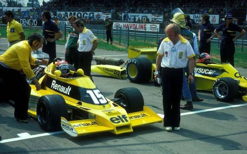 17 best images about renault f1 yellow era on pinterest grand prix formula one and austrian. Black Bedroom Furniture Sets. Home Design Ideas
