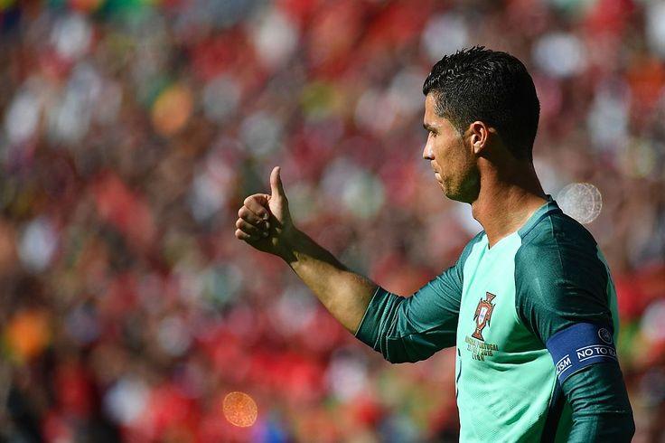 Deux buts et une passe décisive pour Cristiano Ronaldo sur son record 17e sortie en EURO finale.