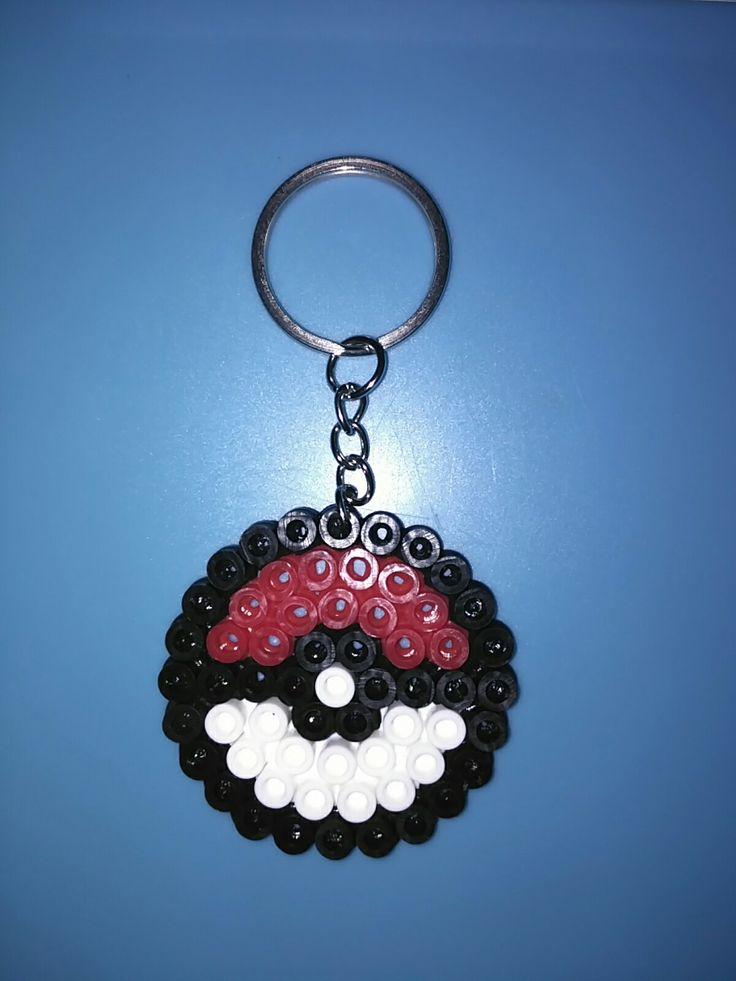 Pokeball keyring perler Hama beads