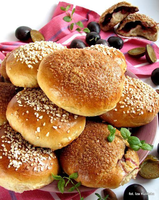 Smaczna Pyza: Drożdżówki ze śliwkami i cynamonem