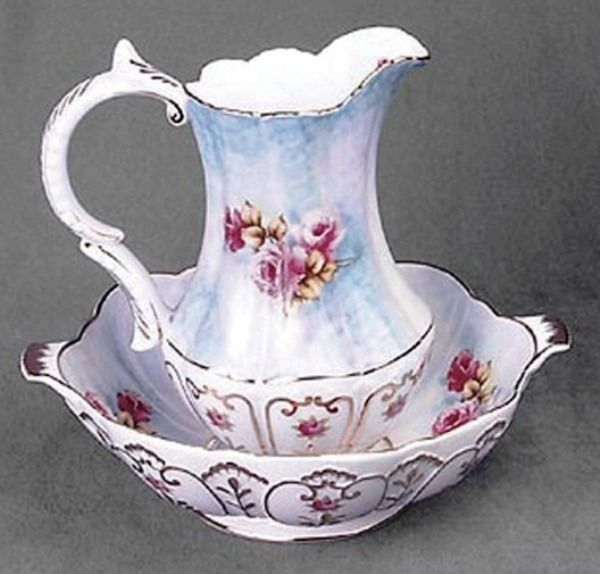 241 best images about victorian wash pitcher basin on pinterest pottery hand painted and. Black Bedroom Furniture Sets. Home Design Ideas